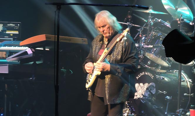 Yes Bassist Chris Squire Dies at 67