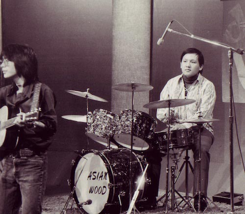 Noel Lee performing behind the drums